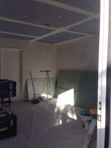 ハワイでリフォーム:一階も天井、壁の下地作業完了です。