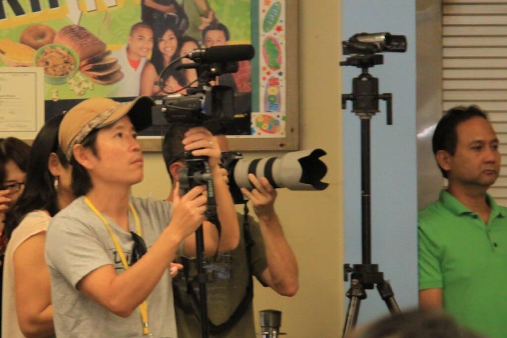 ハワイで大家:長男日本語補習校お遊戯会〜一部のお父さんには全くかないませんw