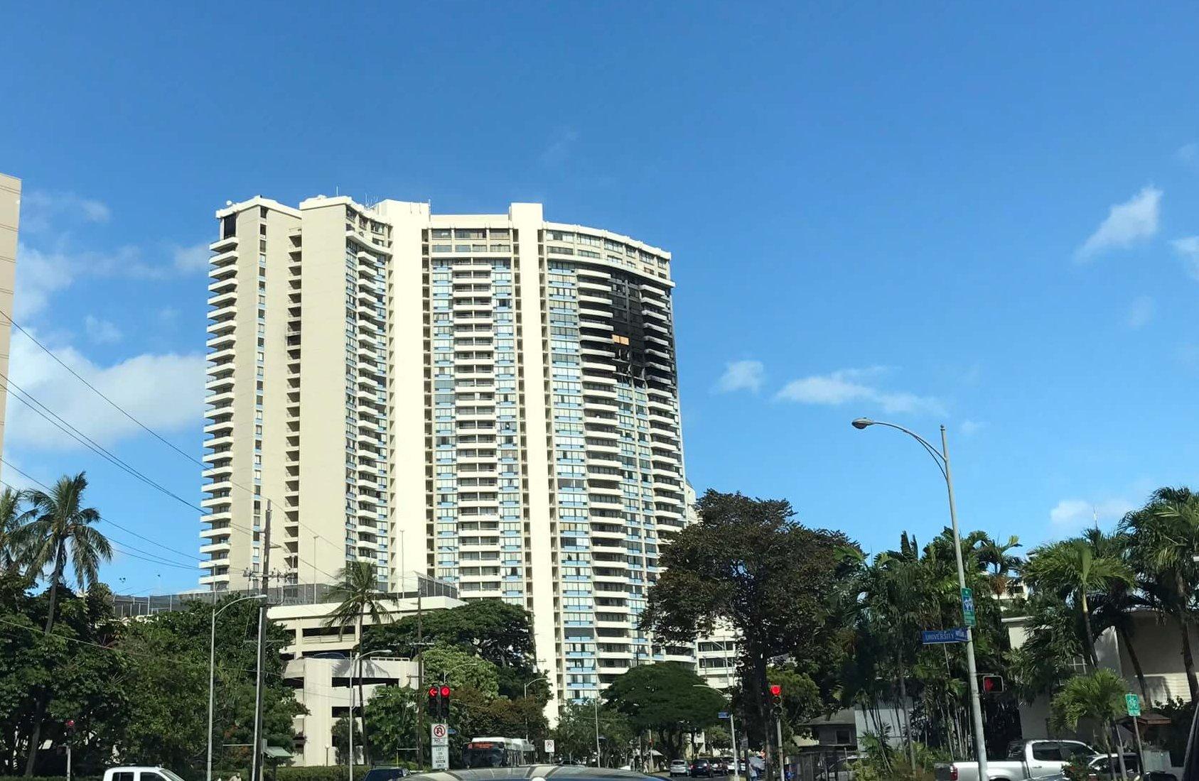ハワイで大家:火災の痛々しい傷跡残るマルコポーロ
