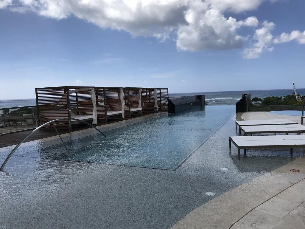 ハワイで大家:アナハのプール2
