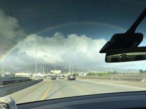 ハワイで大家:マイバースデー2018 長男のスケボーの帰り虹が綺麗に見えた